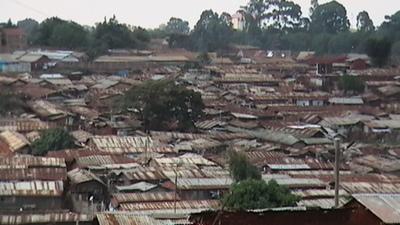 Kibera_rooftops